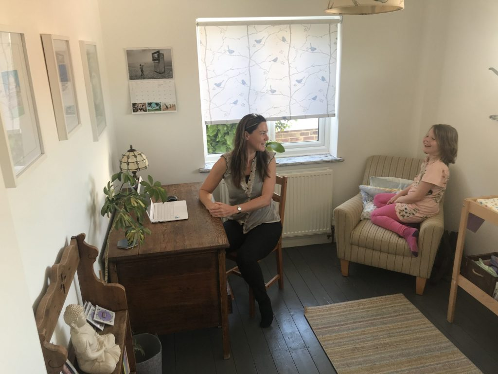 Dee with Florence in Feeding Clinic – Birth, Baby & You – Dee Bell – Lactation Consultant for Kent, Surrey & Sussex